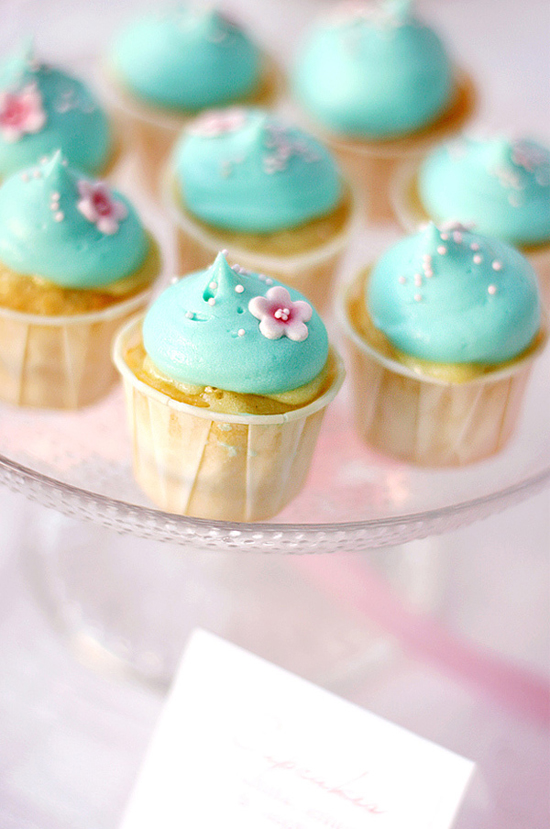 Wedding Trend: Stunning Candy Bars